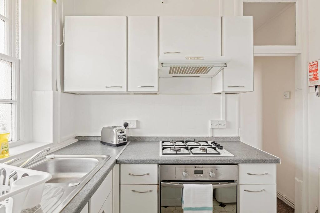 image 3 furnished 1 bedroom Apartment for rent in Newington, Southwark