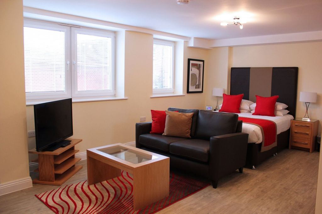 image 5 furnished 1 bedroom Apartment for rent in Basingstoke and Deane, Hampshire