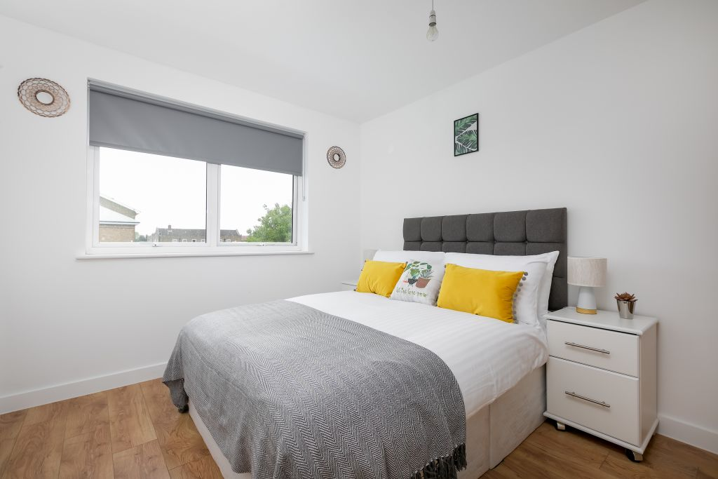 image 4 furnished 2 bedroom Apartment for rent in Enfield Town, Enfield