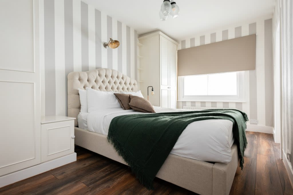 image 6 furnished 5 bedroom Apartment for rent in Earls Court, Kensington Chelsea