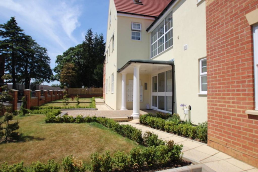 image 5 furnished 1 bedroom Apartment for rent in Northampton, Northamptonshire