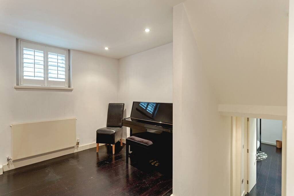 image 8 furnished 4 bedroom Apartment for rent in Chelsea, Kensington Chelsea
