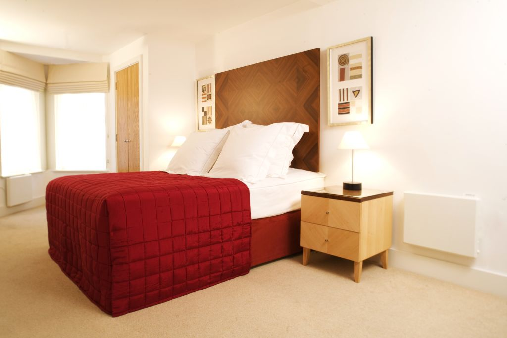 image 1 furnished 1 bedroom Apartment for rent in Stratford, Newham