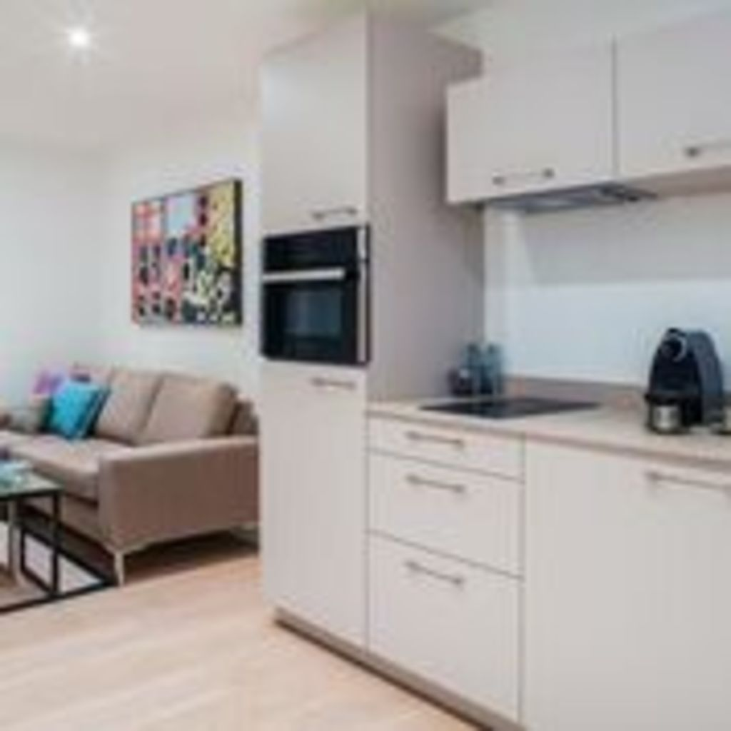 image 3 furnished 2 bedroom Apartment for rent in Clerkenwell, Islington