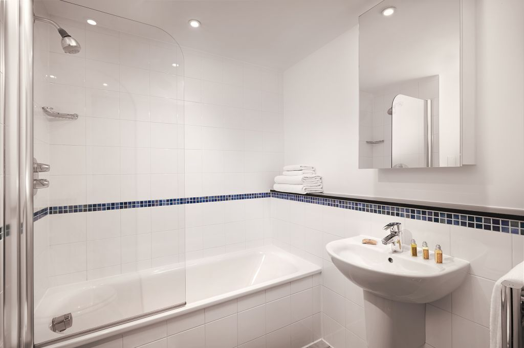 image 2 furnished 2 bedroom Apartment for rent in Stratford, Newham