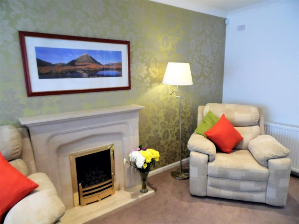 image 5 furnished 4 bedroom Apartment for rent in Glasgow, Scotland