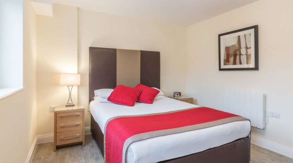 image 2 furnished 1 bedroom Apartment for rent in Basingstoke and Deane, Hampshire