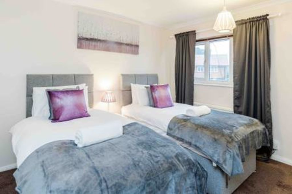 image 10 furnished 3 bedroom Apartment for rent in Chadwell Heath, Barking Dagenham