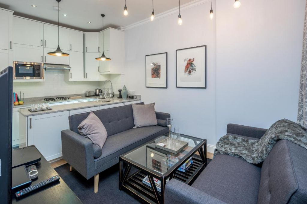 image 10 furnished 3 bedroom Apartment for rent in Notting Hill, Kensington Chelsea