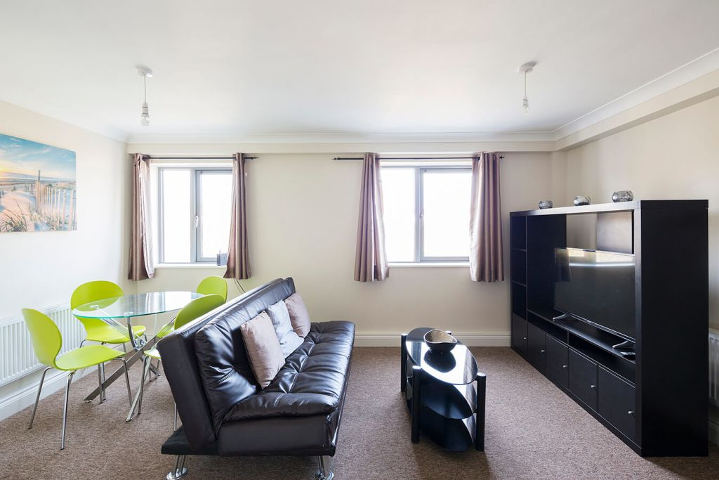 image 1 furnished 2 bedroom Apartment for rent in Medway, Kent