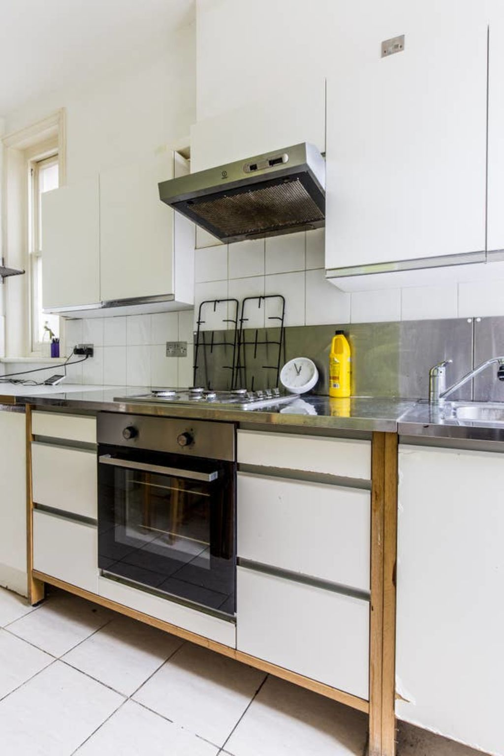 image 3 furnished 3 bedroom Apartment for rent in West Hampstead, Camden