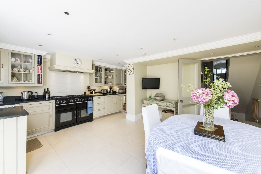 image 7 furnished 3 bedroom Apartment for rent in Sands End, Hammersmith Fulham