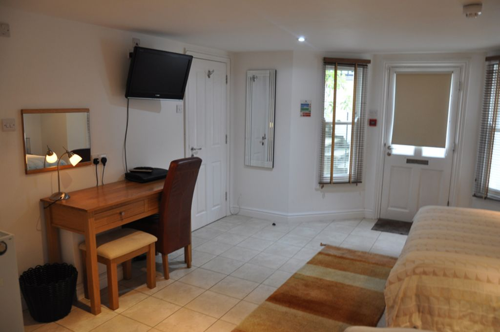 image 10 furnished 2 bedroom Apartment for rent in Cambridge, Cambridgeshire