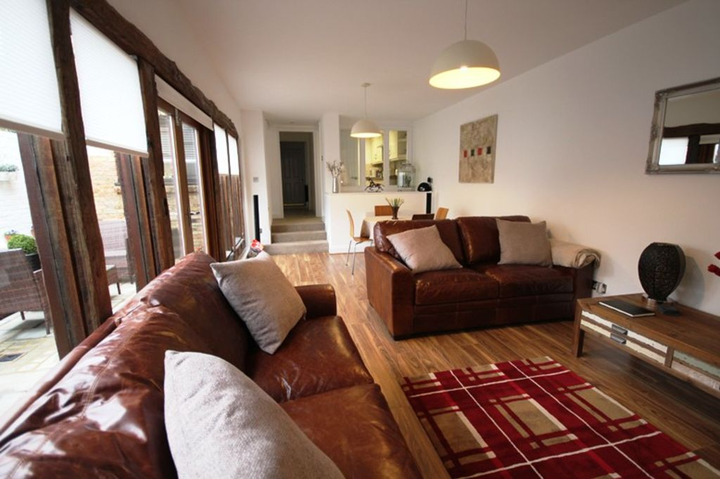 image 1 furnished 2 bedroom Apartment for rent in St Albans, Hertfordshire