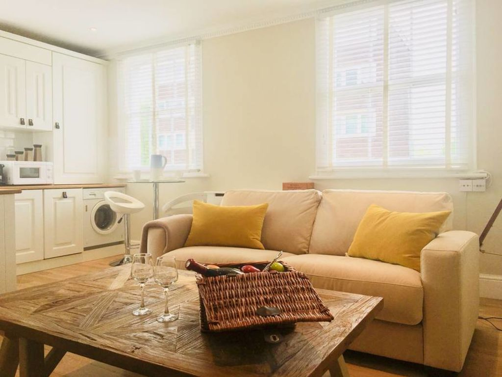 image 2 furnished 1 bedroom Apartment for rent in Bayswater, City of Westminster