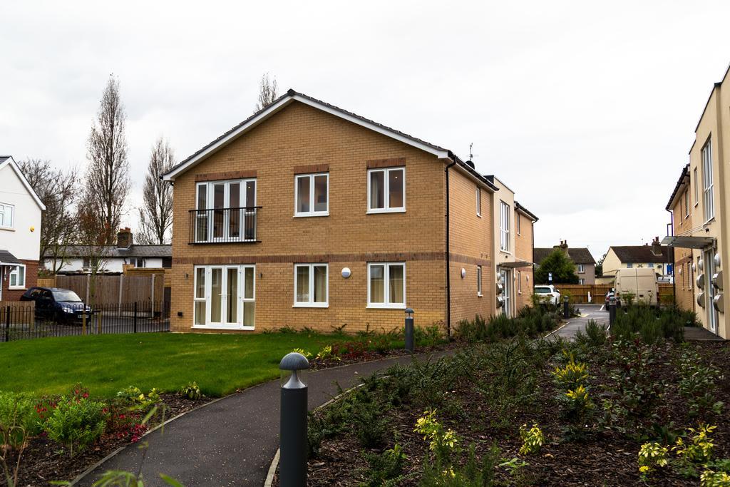 image 6 furnished 2 bedroom Apartment for rent in Spelthorne, Surrey