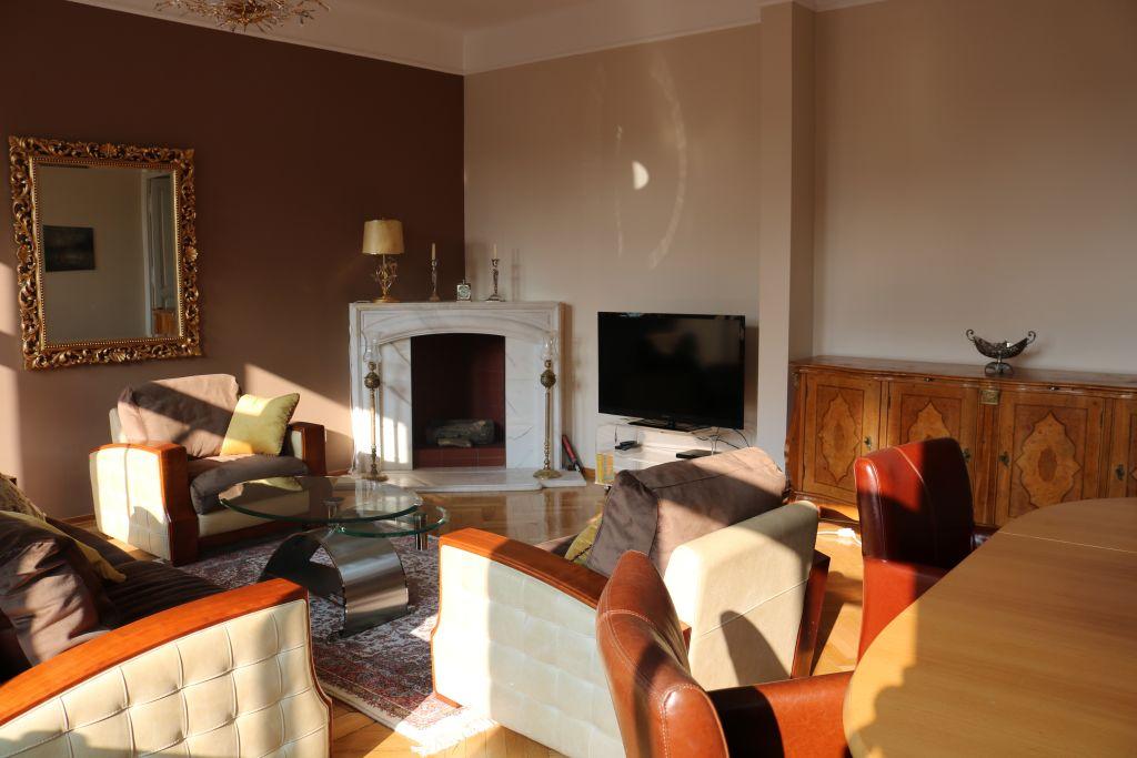 image 2 furnished 3 bedroom Apartment for rent in Josefstadt, Vienna
