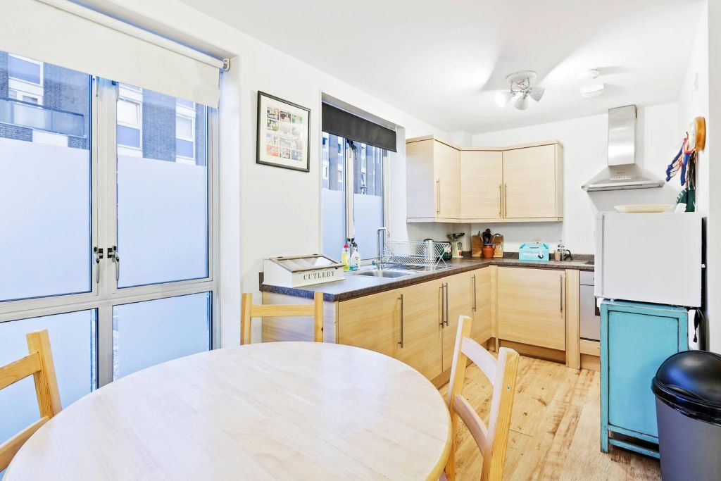 image 6 furnished 1 bedroom Apartment for rent in Stratford, Newham