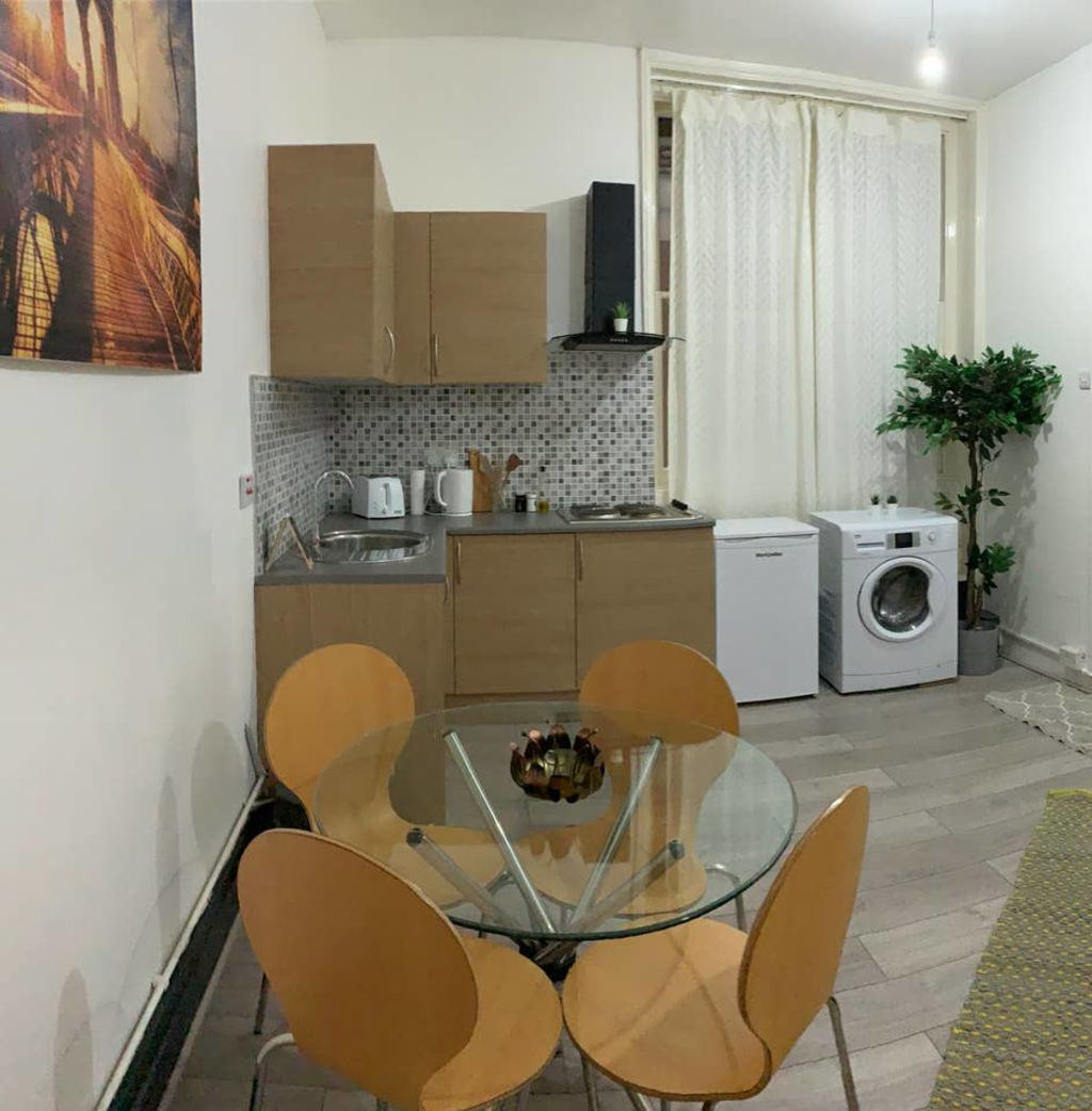 image 5 furnished Studio bedroom Apartment for rent in Bloomsbury, Camden