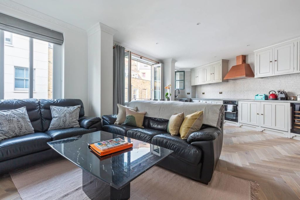 image 8 furnished 2 bedroom Apartment for rent in Spitalfields, Tower Hamlets
