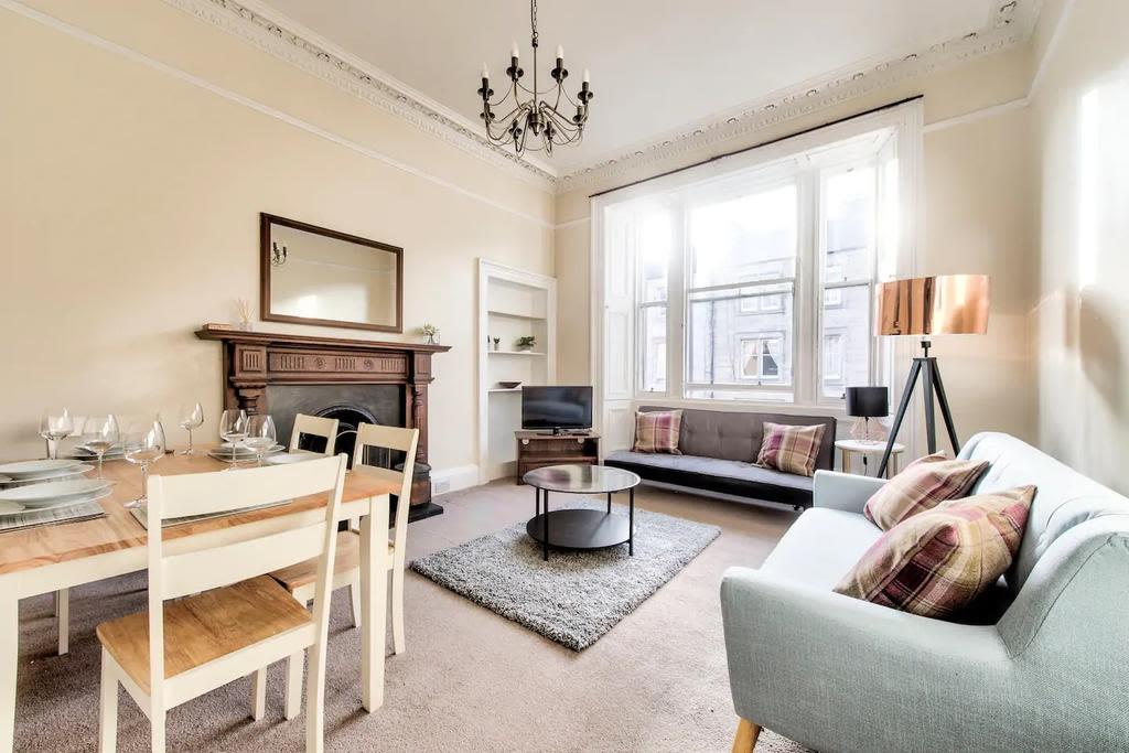 image 3 furnished 3 bedroom Apartment for rent in Edinburgh, Scotland