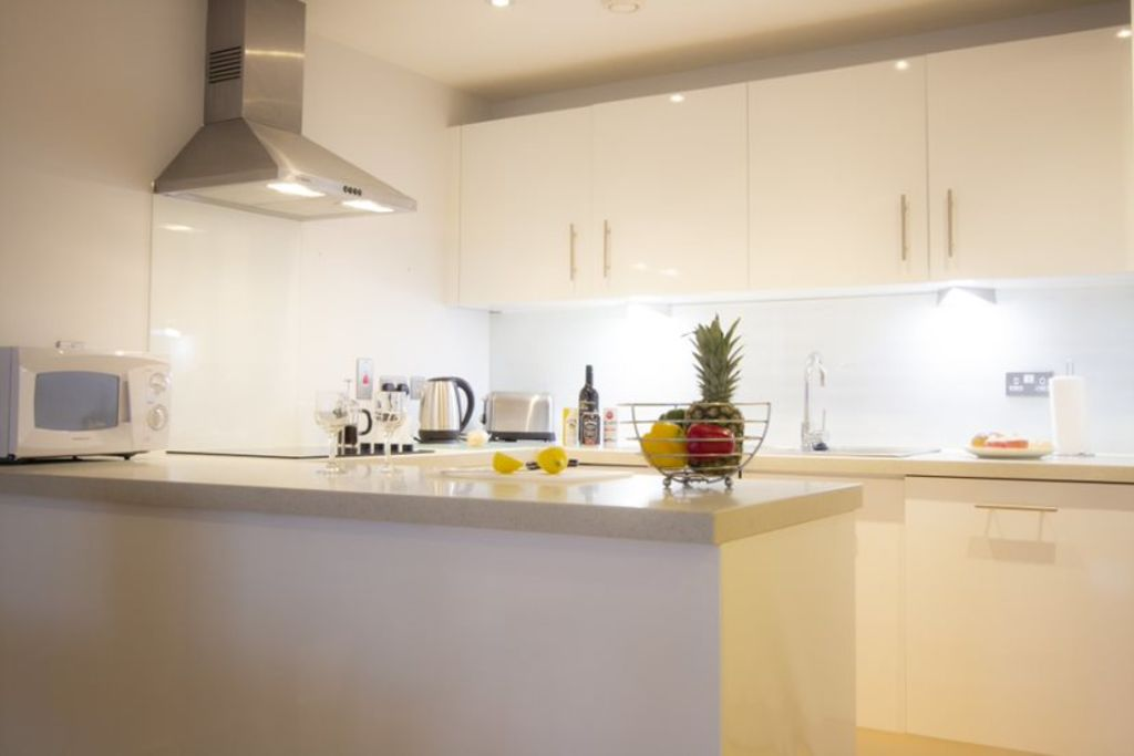 image 4 furnished 2 bedroom Apartment for rent in Woking, Surrey