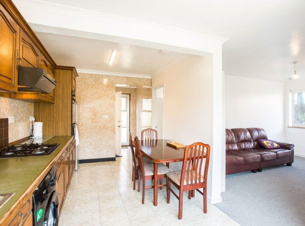 image 8 furnished 3 bedroom Apartment for rent in Brighton - Hove, East Sussex