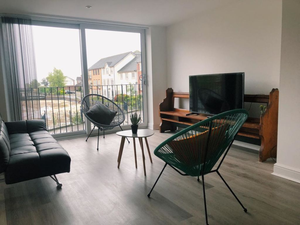 image 1 furnished 4 bedroom Apartment for rent in Kingston upon Hull, East Riding