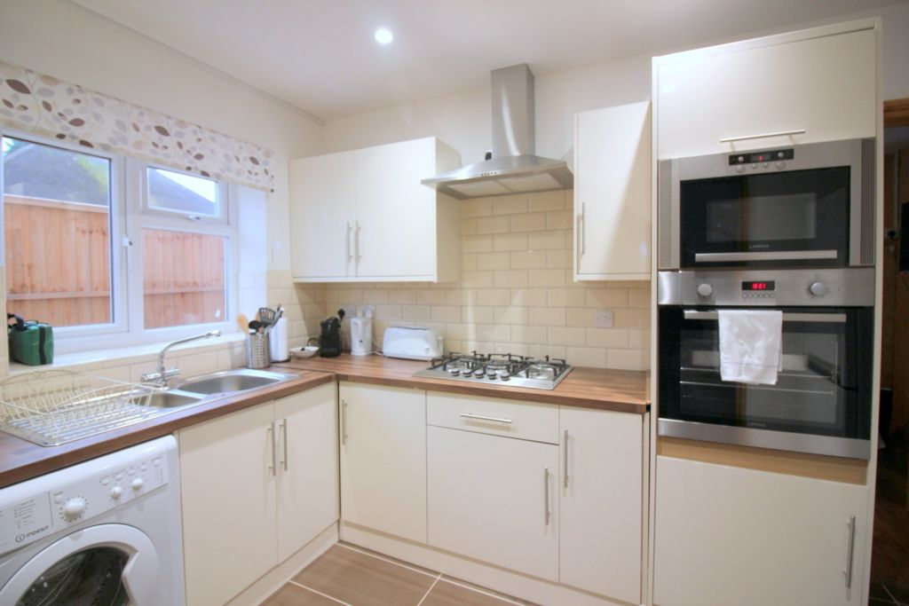 image 6 furnished 1 bedroom Apartment for rent in Cowley, Hillingdon