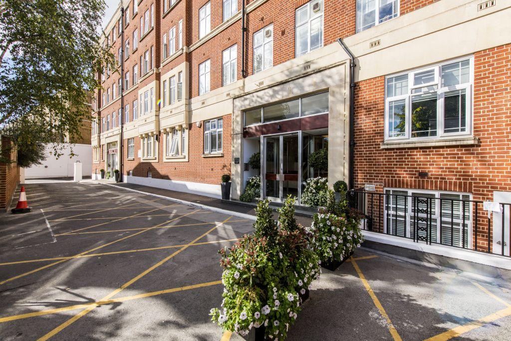 image 9 furnished 2 bedroom Apartment for rent in Kensington, Kensington Chelsea