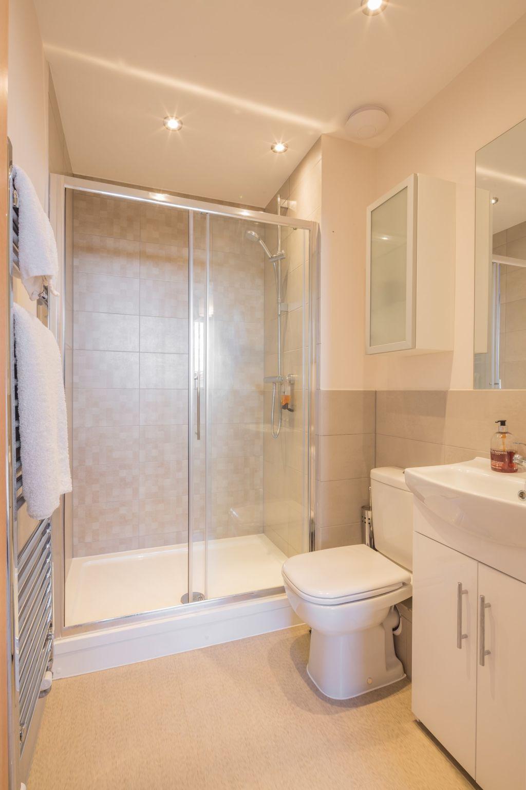 image 8 furnished 2 bedroom Apartment for rent in Stevenage, Hertfordshire