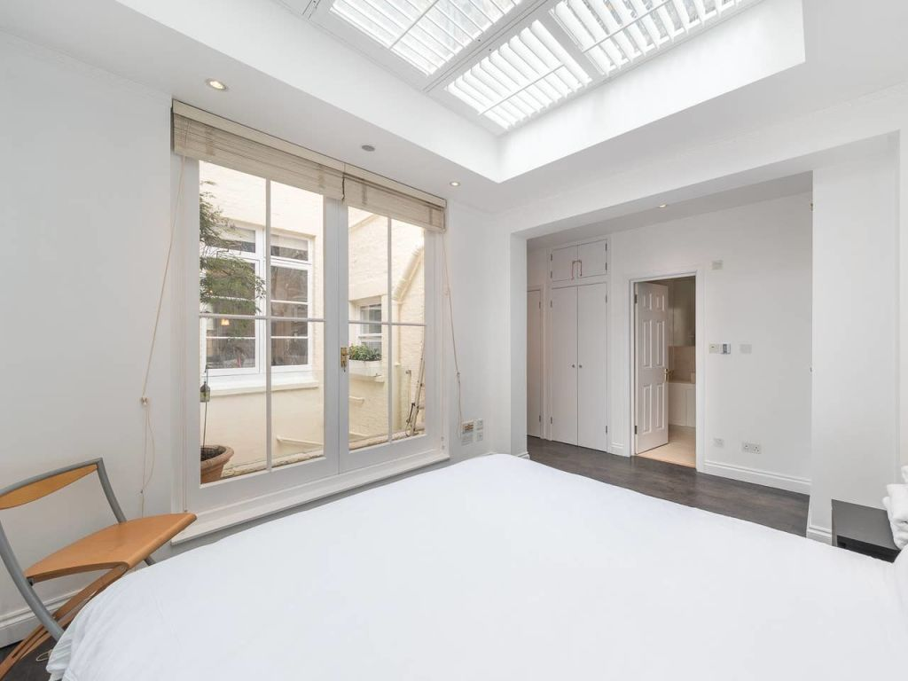 image 8 furnished 3 bedroom Apartment for rent in Enfield Town, Enfield
