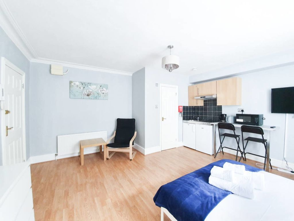 image 6 furnished 1 bedroom Apartment for rent in Ealing, Ealing