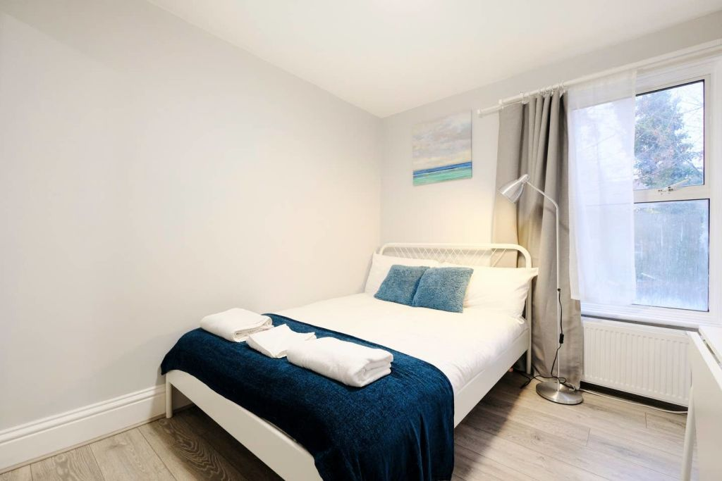 image 7 furnished 1 bedroom Apartment for rent in Acton, Ealing
