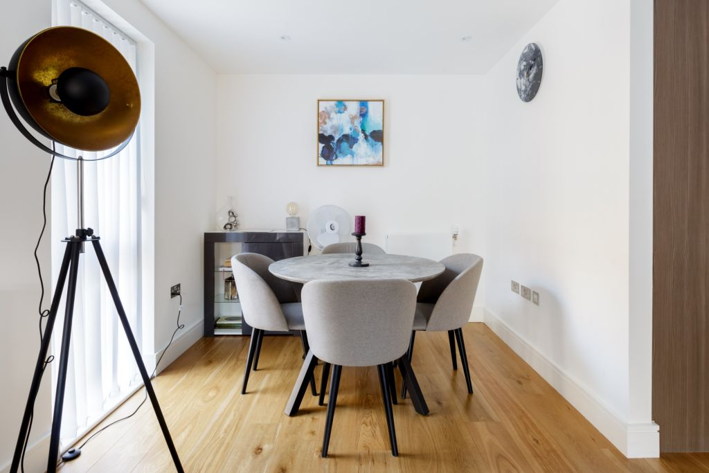 image 5 furnished 3 bedroom Apartment for rent in Queensbury, Harrow