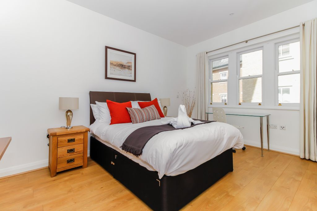 image 1 furnished 2 bedroom Apartment for rent in Oxford, Oxfordshire