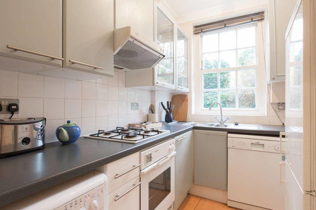 image 8 furnished 2 bedroom Apartment for rent in Kensington, Kensington Chelsea
