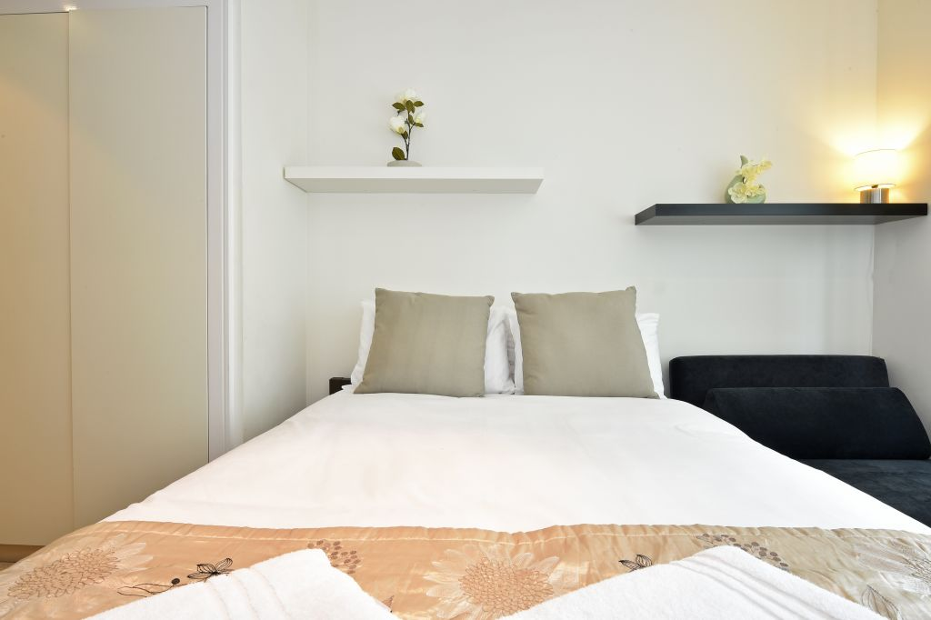 image 2 furnished 2 bedroom Apartment for rent in Lambeth, Lambeth
