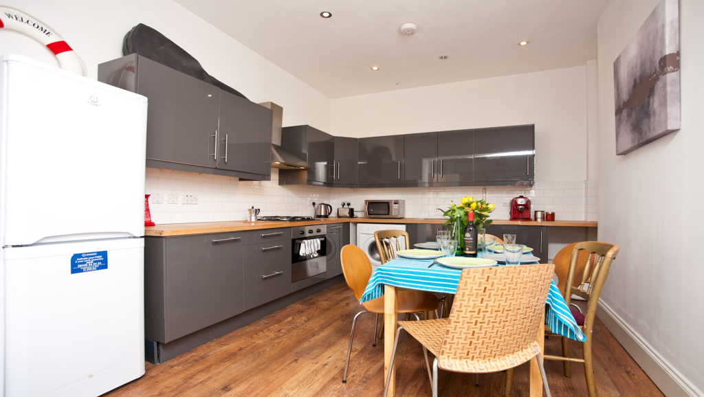 image 1 furnished 1 bedroom Apartment for rent in Finsbury Park, Hackney