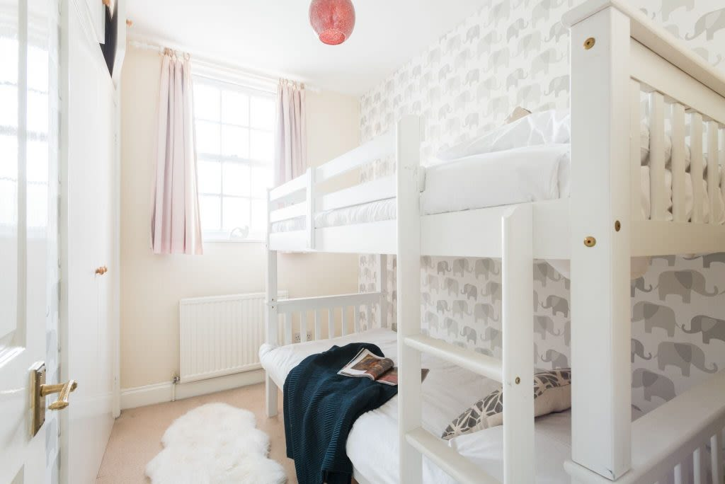 image 10 furnished 3 bedroom Apartment for rent in Bath and North East, Somerset
