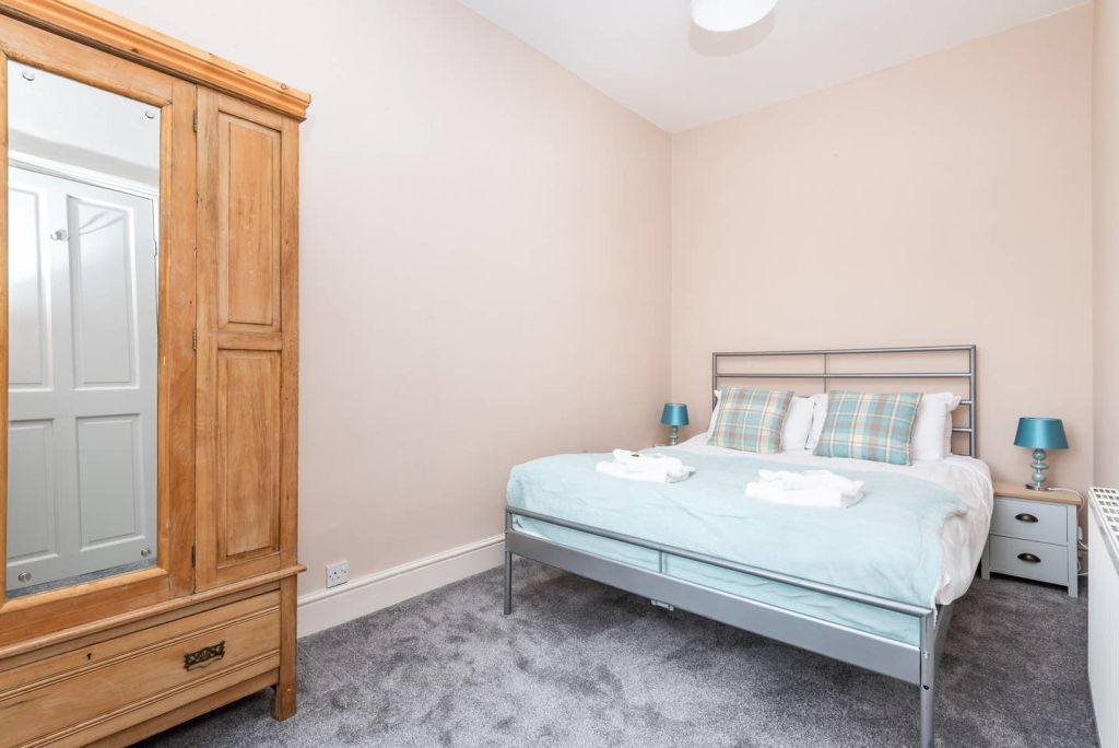 image 9 furnished 3 bedroom Apartment for rent in City of York, North Yorkshire NE