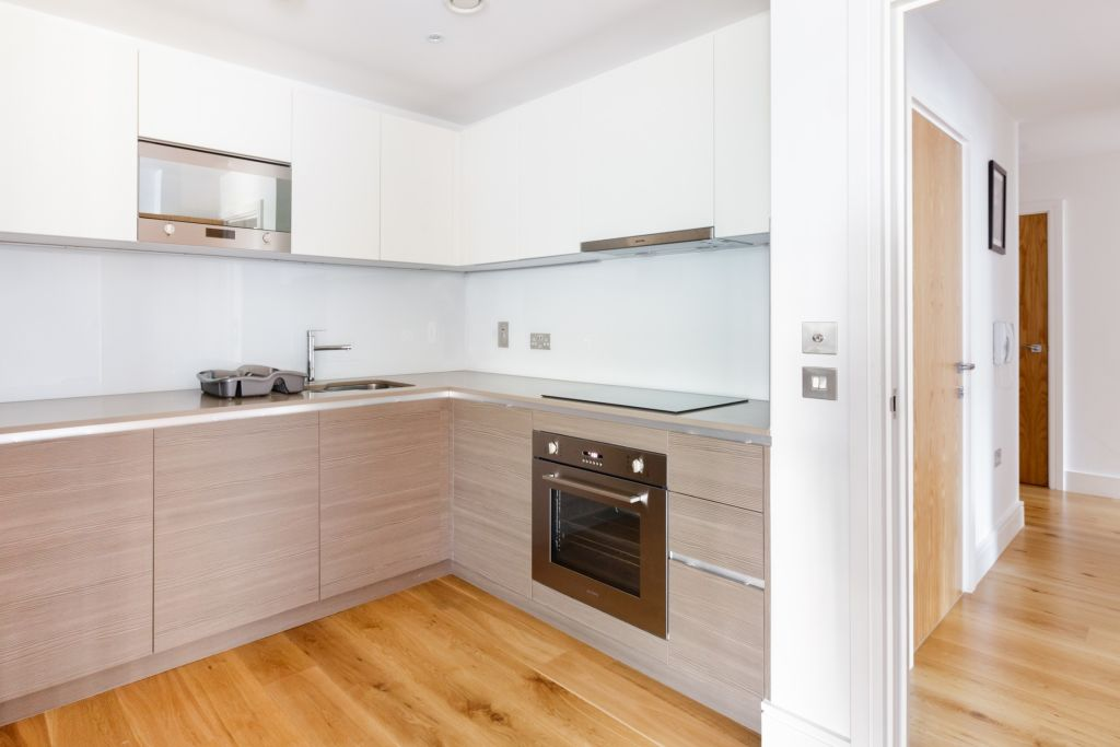 image 8 furnished 3 bedroom Apartment for rent in Queensbury, Harrow