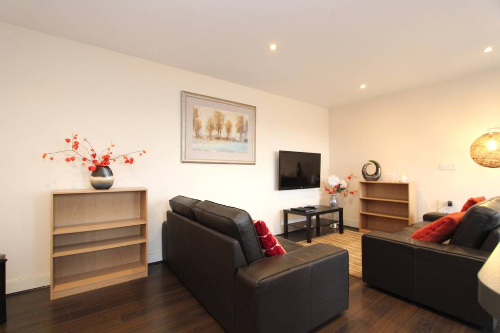 image 3 furnished 2 bedroom Apartment for rent in Whitley, Coventry