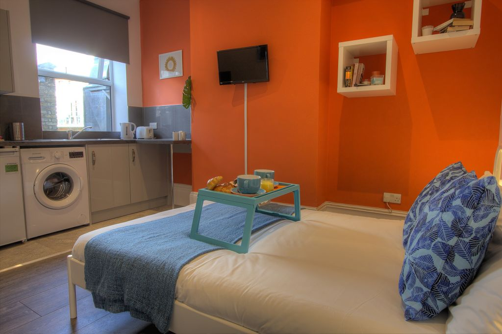image 3 furnished 1 bedroom Apartment for rent in Willesden, Brent