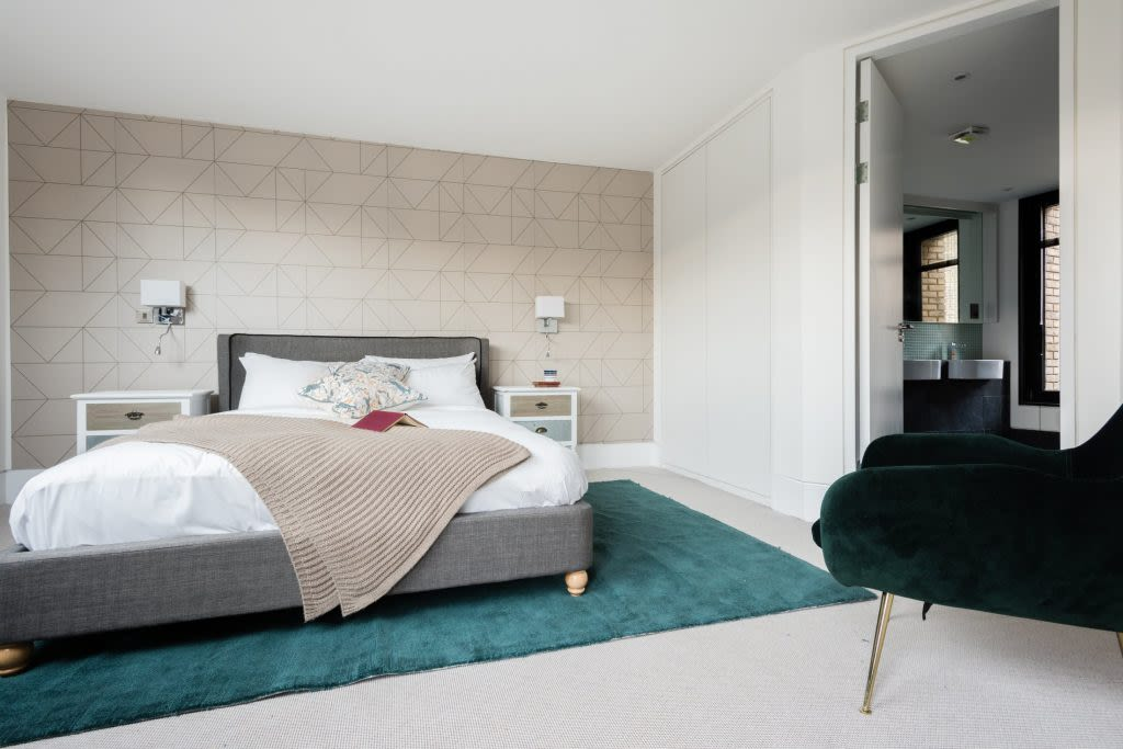 image 5 furnished 3 bedroom Apartment for rent in Kentish Town, Camden