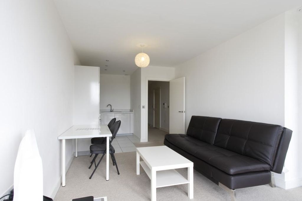 image 4 furnished 1 bedroom Apartment for rent in Dacorum, Hertfordshire