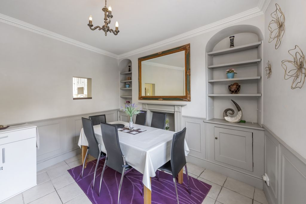image 3 furnished 2 bedroom Apartment for rent in South Wimbledon, Merton