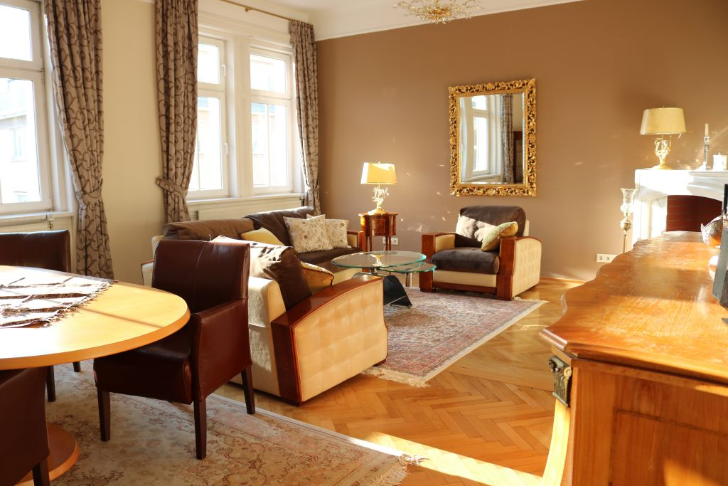 image 8 furnished 3 bedroom Apartment for rent in Josefstadt, Vienna