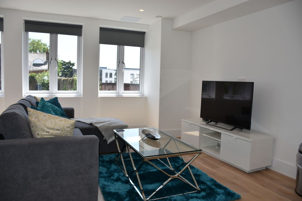 image 10 furnished 2 bedroom Apartment for rent in Ealing, Ealing