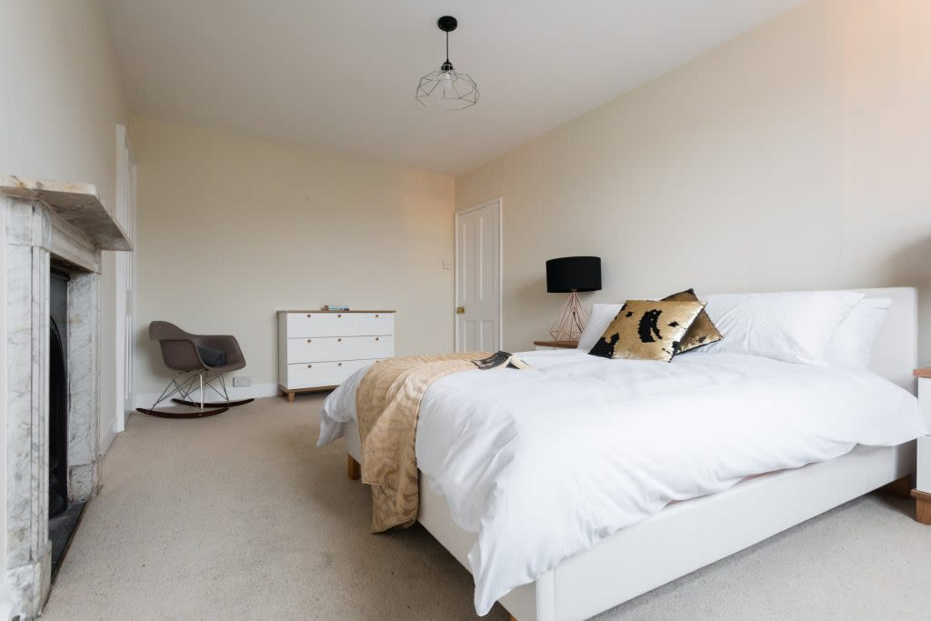 image 10 furnished 5 bedroom Apartment for rent in Bath and North East, Somerset